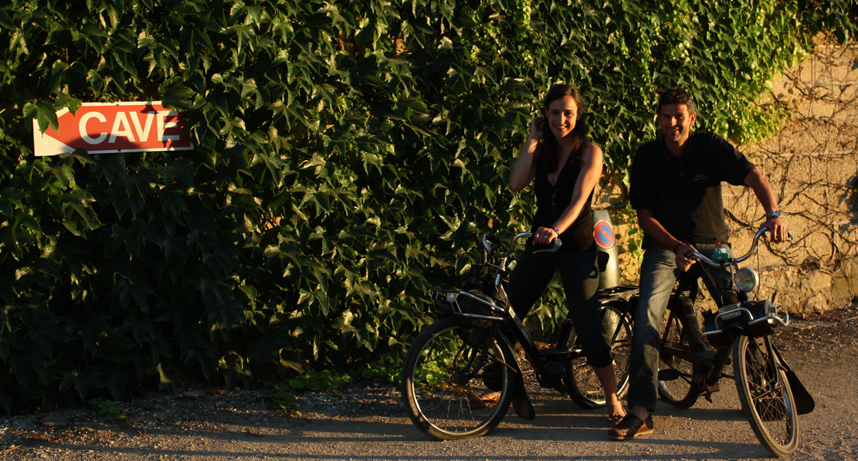 Visit the Domaine du Pied Flond on a Solex bicycle © Domaine du Pied Flond