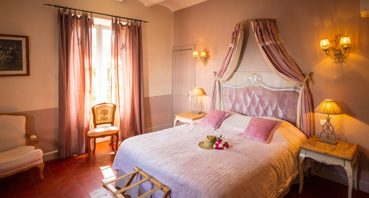 Delightful rooms in the Languedoc wine region ©Château le Bouïs