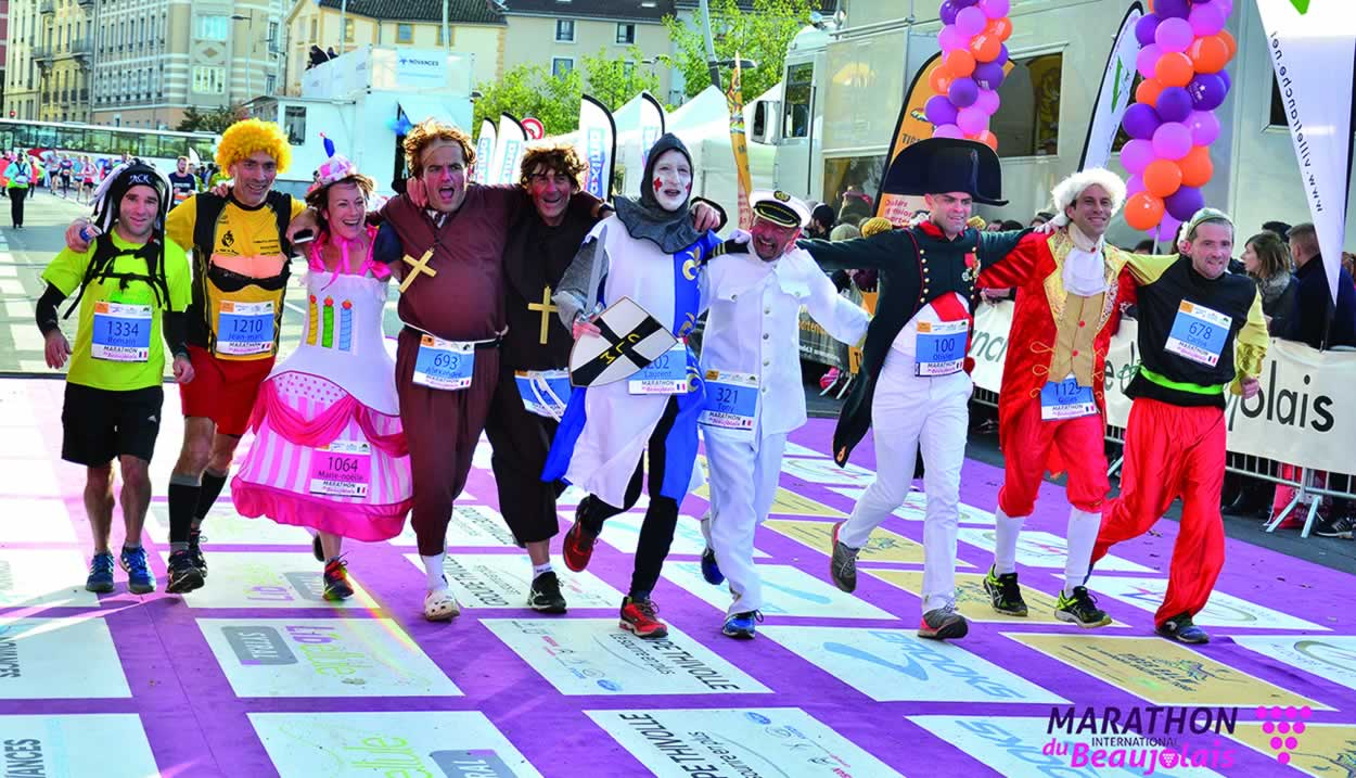 Runners come from the four corners of the globe to take part in the 13 km du Rhône in disguise © Marathon International du Beaujolais
