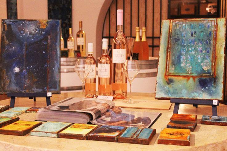 Art et vin expositions dans vignoble de provence ©DR