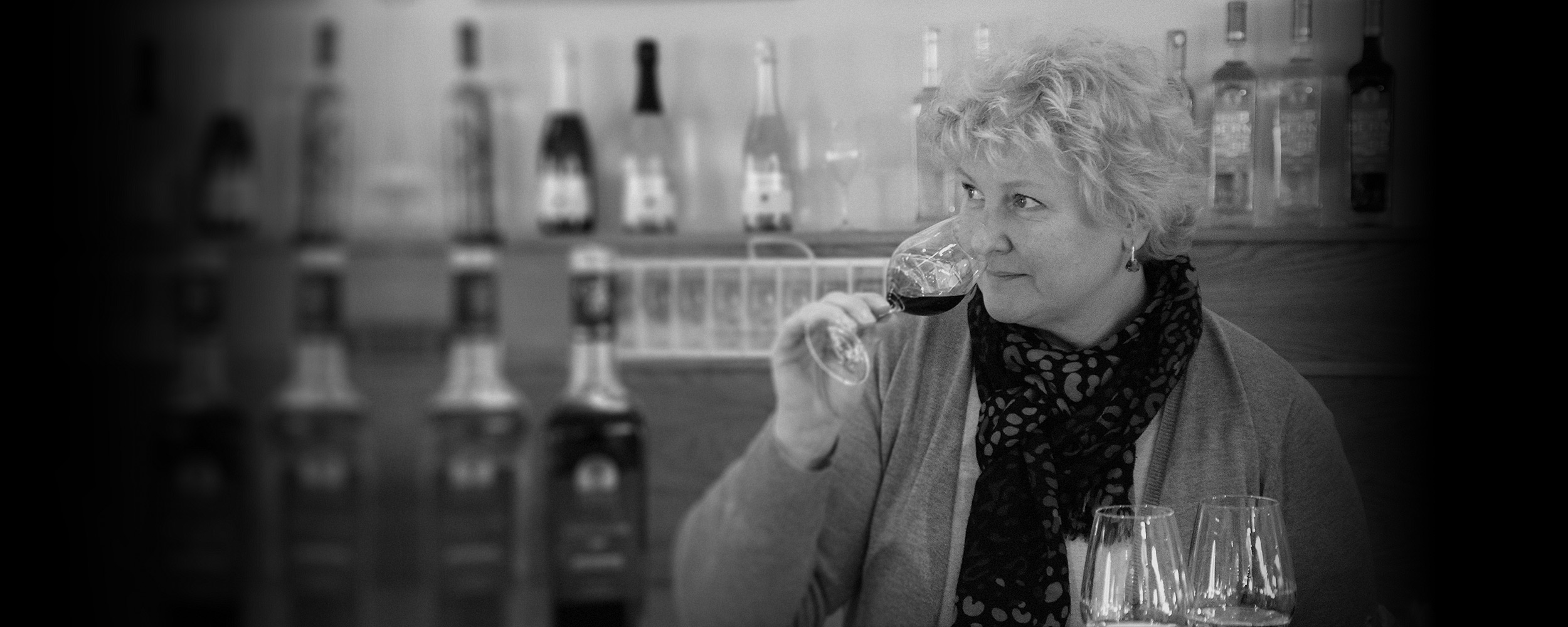 Brigitte Guiet Head of the wine cellar at Chateau de Berne cotes de provence ©DR