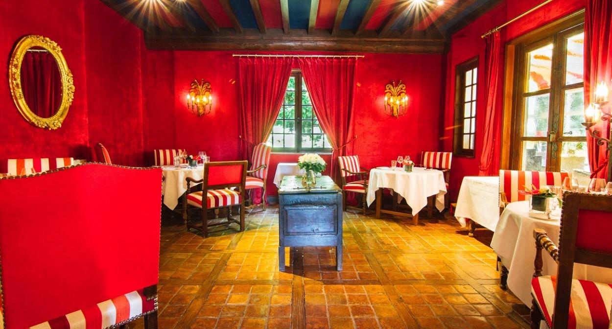 Chateau_d'Igé_restaurant