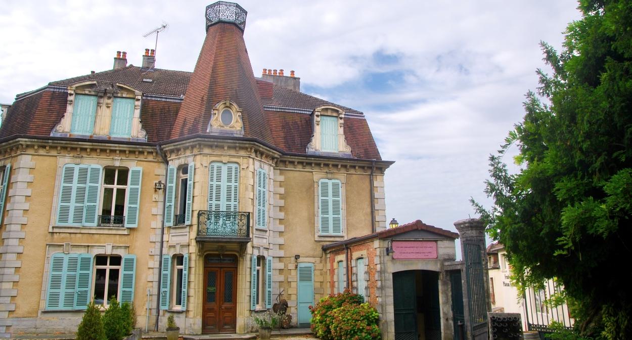 Château Béthanie and Fruitière Vinicole d'Arbois © Jura Tourisme