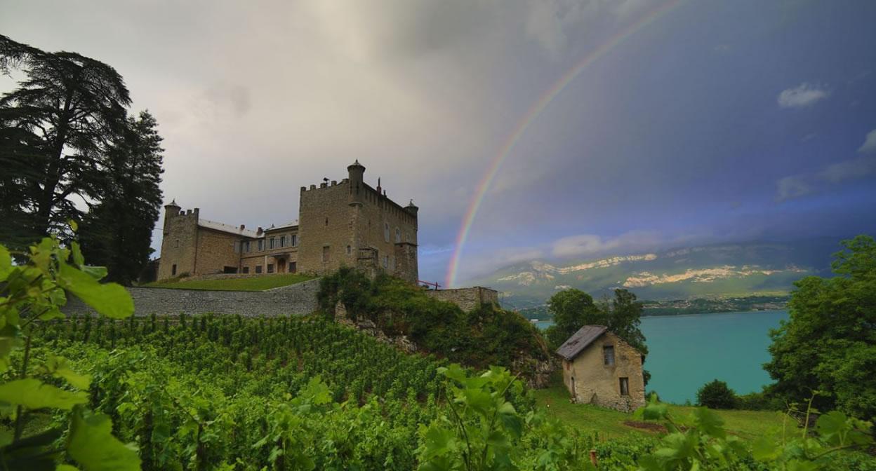 Chateau de Bourdeau arc en ciel © Baptiste Robin