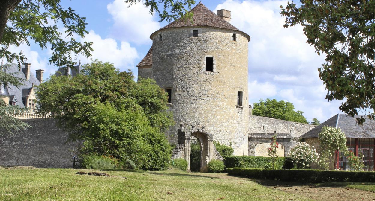 Château_Montaigne_tower_Bergerac ©Château Michel de Montaigne