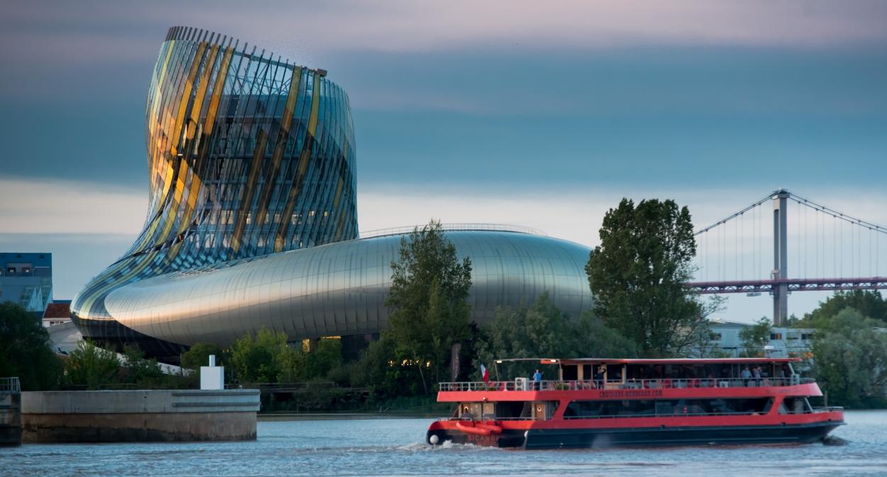 La Cité du vin © Alban Gilbert
