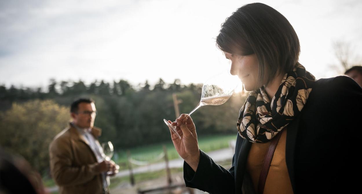 Dégustation de champagne dans les vignes t©Olivier_Frajman_Protographe