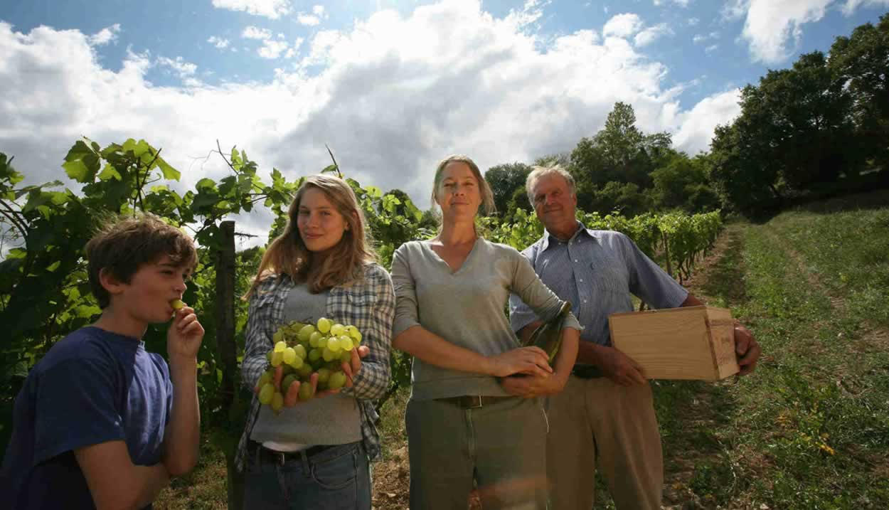 Picnic with an Independent Winegrower for the whole family - Pique-nique chez le vigneron indépendant pour toute la famille © Vignerons Indépendants® de France