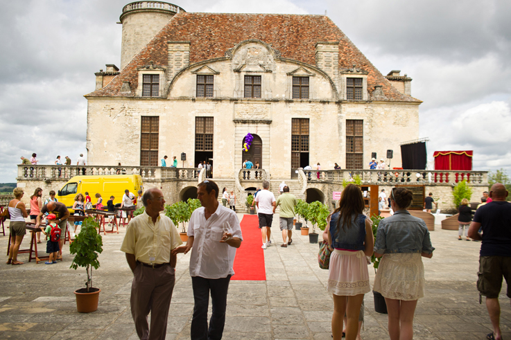 Wine festival at the chateau de Duras Bergerac tourism Aquitaine ©Victor Picon