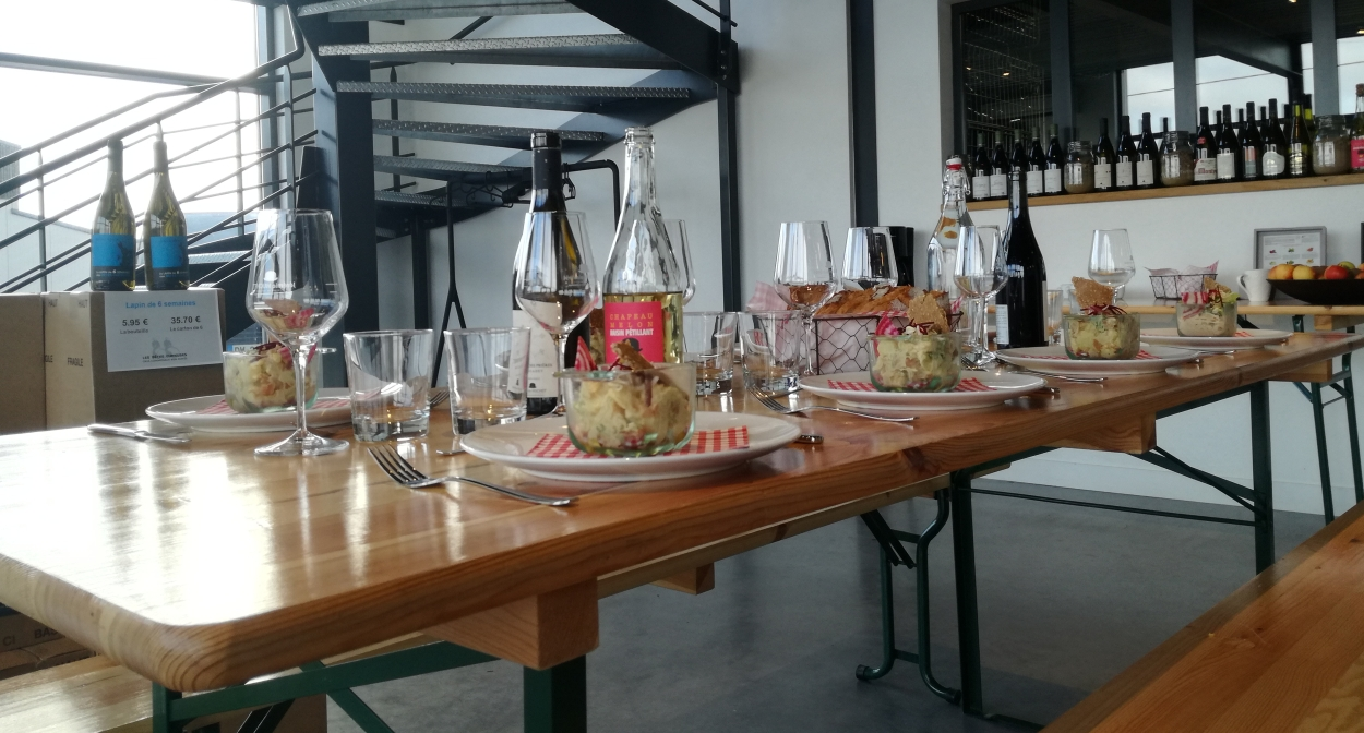 Repas d'entreprise au coeur des vignes © Domaine Jérémie Huchet