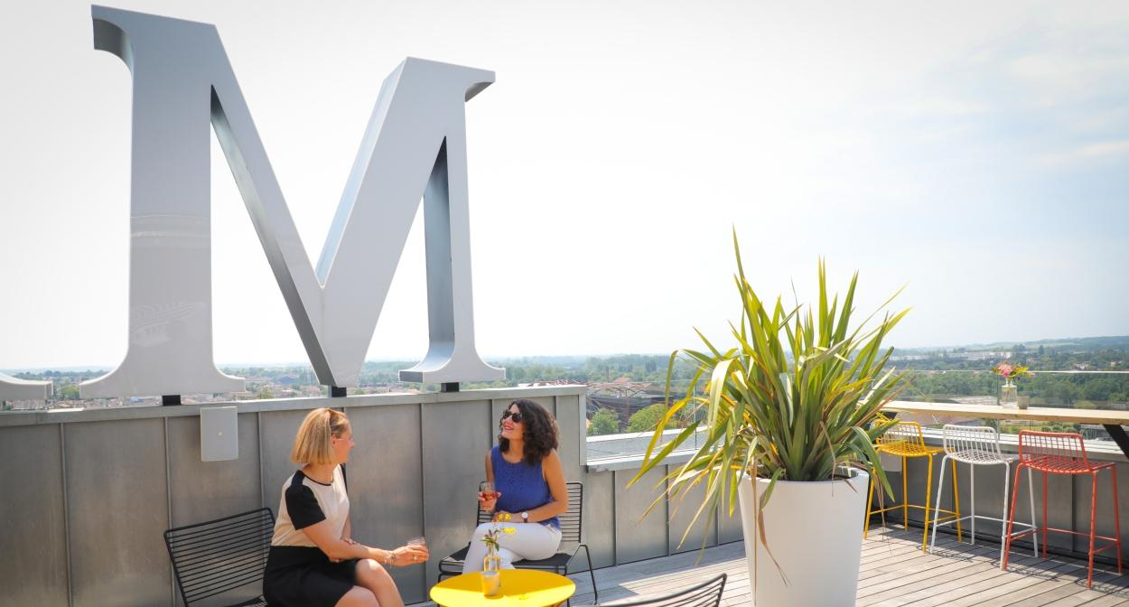 Bar rooftop Indigo By Martell à Cognac @Aline Aubert