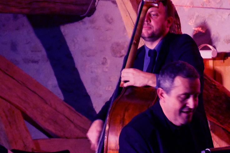 Concert jazz et dégustation de vin de Bergerac dans le vignoble Périgord ©Jazz en chais