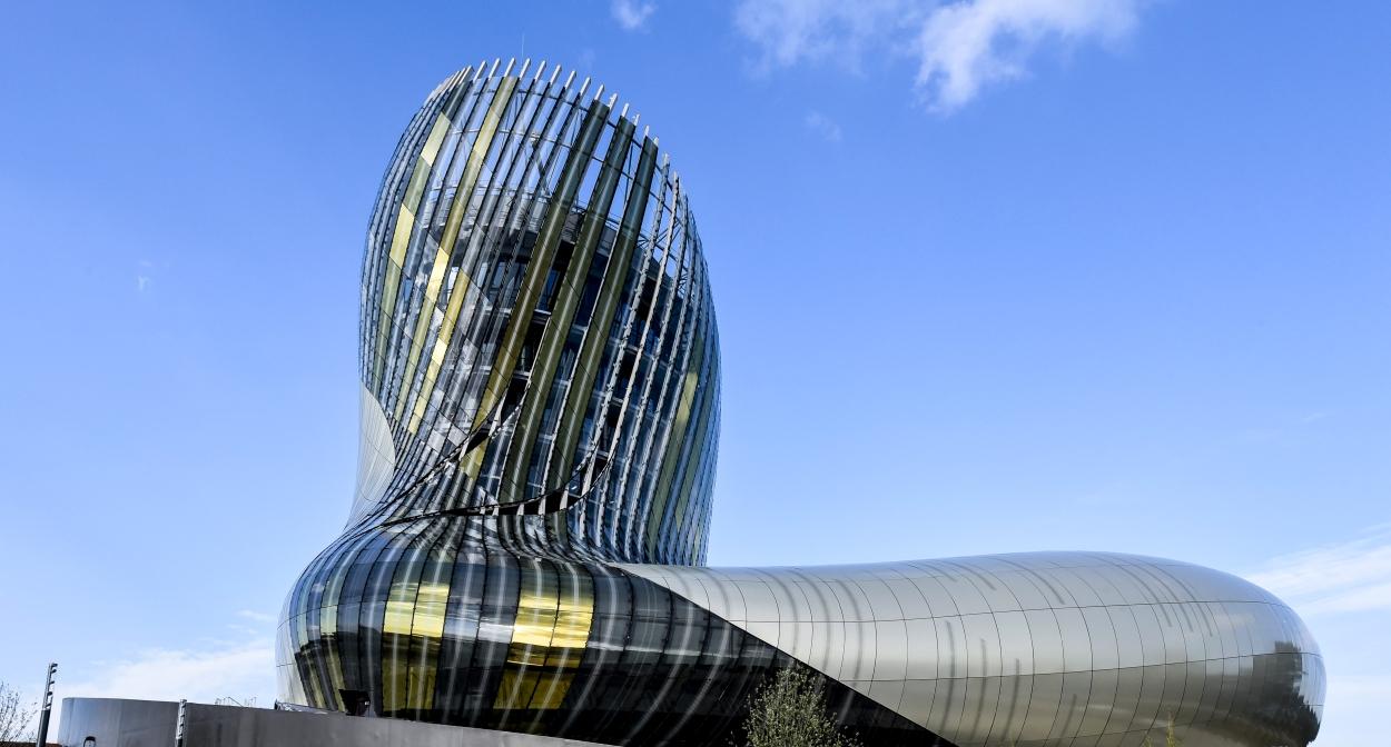 Vins et patrimoine à Bordeaux© La Cité du Vin ®ANAKA-Cité du Vin-XTU Architects
