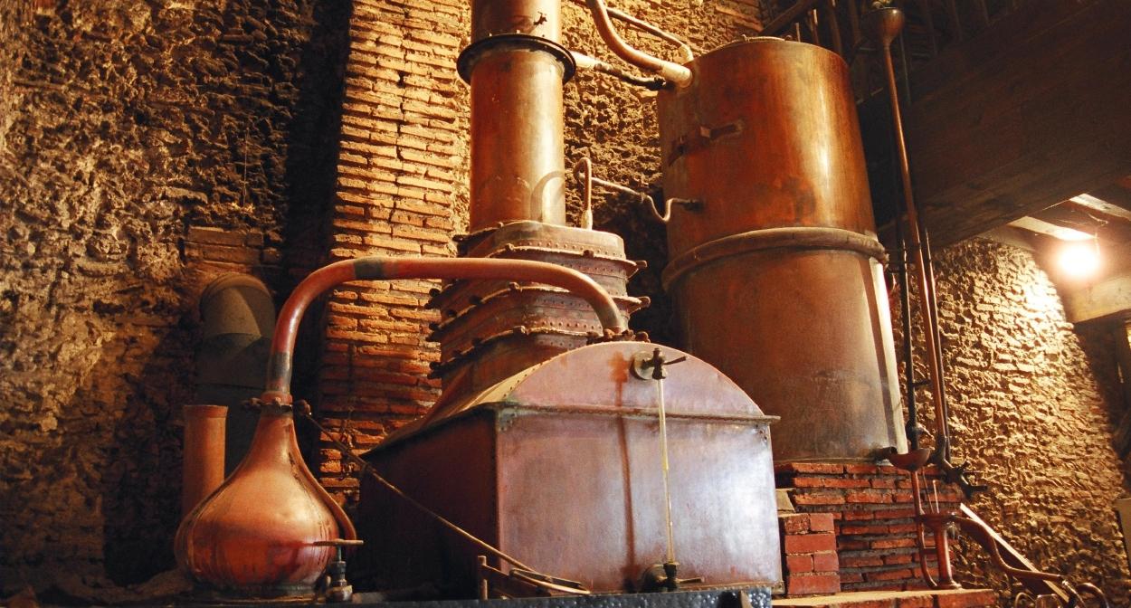 Le plus vieil alambic de Gascogne datant de 1804 toujours en fonctionnement © S. Zambon