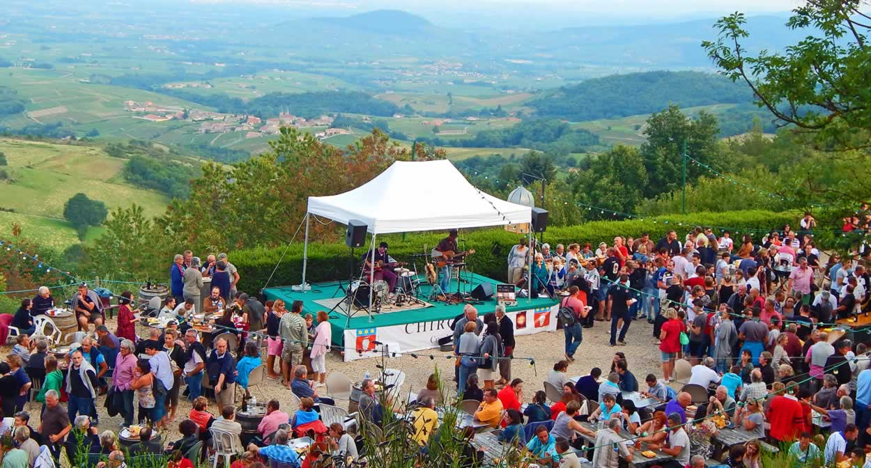 Beaujolais celebrates summer, Beaujolez-vous, The summer festivals © Office de Tourisme Beaujolais Monts et Vignobles
