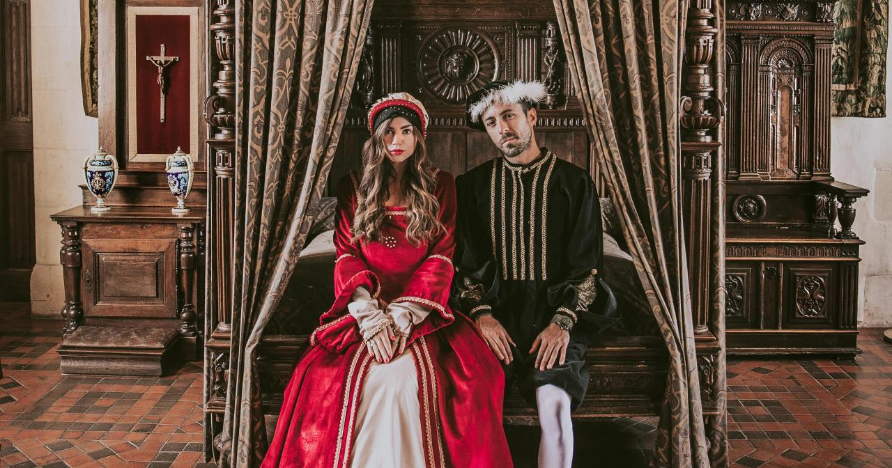Bringing out the Renaissance costumes in the Château d'Amboise ©Awaylands