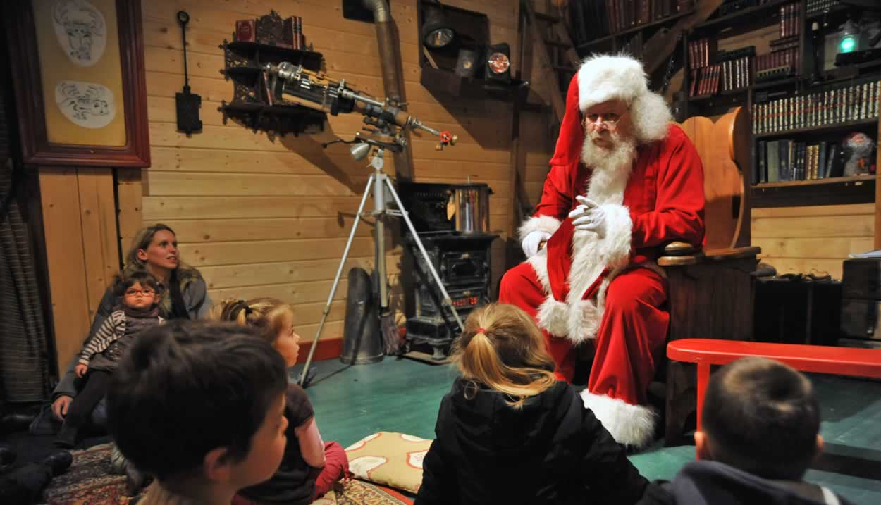 The world of Father Christmas © C. Manquillet