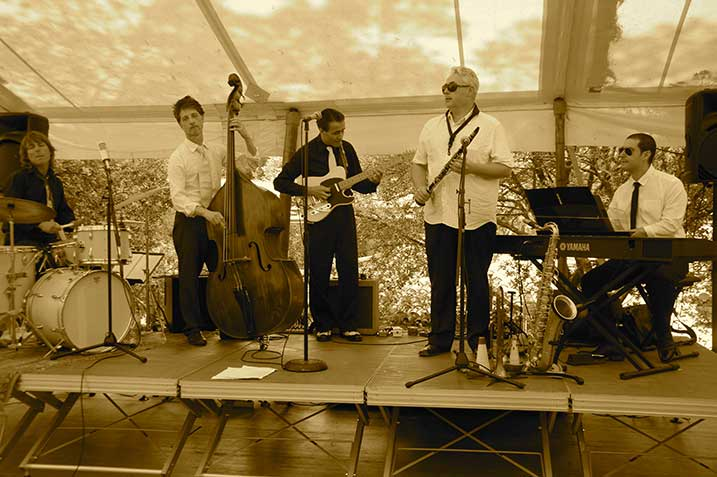 Jazz picnics at the Berne Chateau in Provence ©All rights reserved