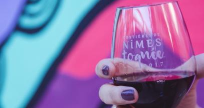 Art et dégustation dans le vignoble @Charlène Pelut AOC Costières de Nîmes