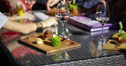 Restauration gastronomique et dégustations aux Muscadetours, Pays de la Loire © Office de tourisme du Vignoble de Nantes / Fred Radideau – Look-Food