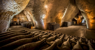 Cellar tours champagne wine tourism ©Veuve Clicquot Leif Carlsson