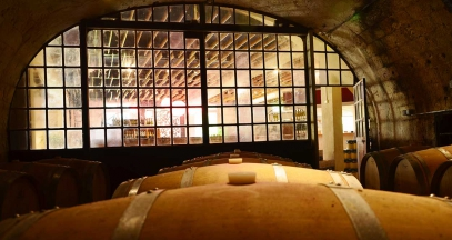 Tour of underground wine cellars in Val de Loire ©Ackerman