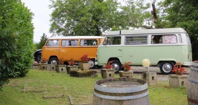 Drive across the vineyard of Jurançon with a camper van © Soupçons en Jurançon