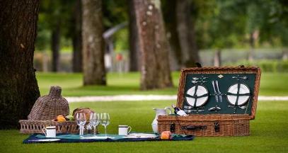 Pique nique au chateau pape clement degustation de grave vins de bordeaux - © DR