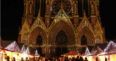 Christmas market and Rêve de Couleurs light show © L.Mathieu - Reims Tourisme