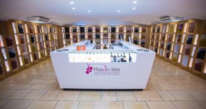 Dégustation de vins provençaux © Maison des vins Côtes de Provence