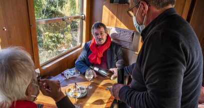 Food and wine pairing aboard the Train Rouge Spécial ©Laurent Pierson