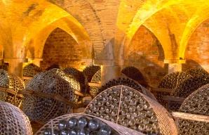 Château de Monluc Saint Puy cellar tour tasting armagnac ©CRT Midi Pyrénées D. Viet