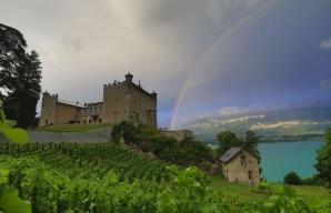 Chateau de Bourdeau arc en ciel Savoie © Baptiste Robin