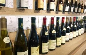 S Chablis burgundy vineyard