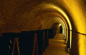 Visit of the cellars Maison Mumm Champagne Cordon Rouge wine tourism ©Mumm