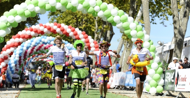A marathon with a carnival atmosphere © Mainguy