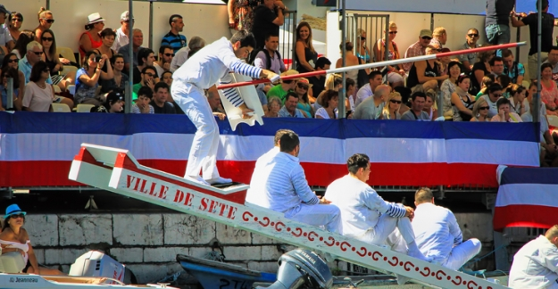 Festival and water jousting at Sète wines of pays d'Oc ©All rights reserved