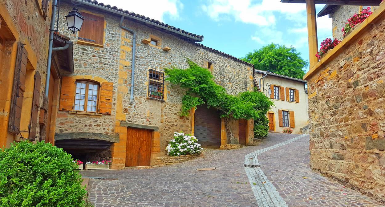 Chemin des vignes à Moire, Beaujolais des Pierres Dorees © Daniel Gillet Inter Beaujolais