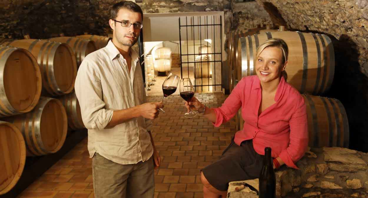 Visiting cellars and tasting wines in the Loire Valley vineyard © EMangeat CRT Centre Val de Loire