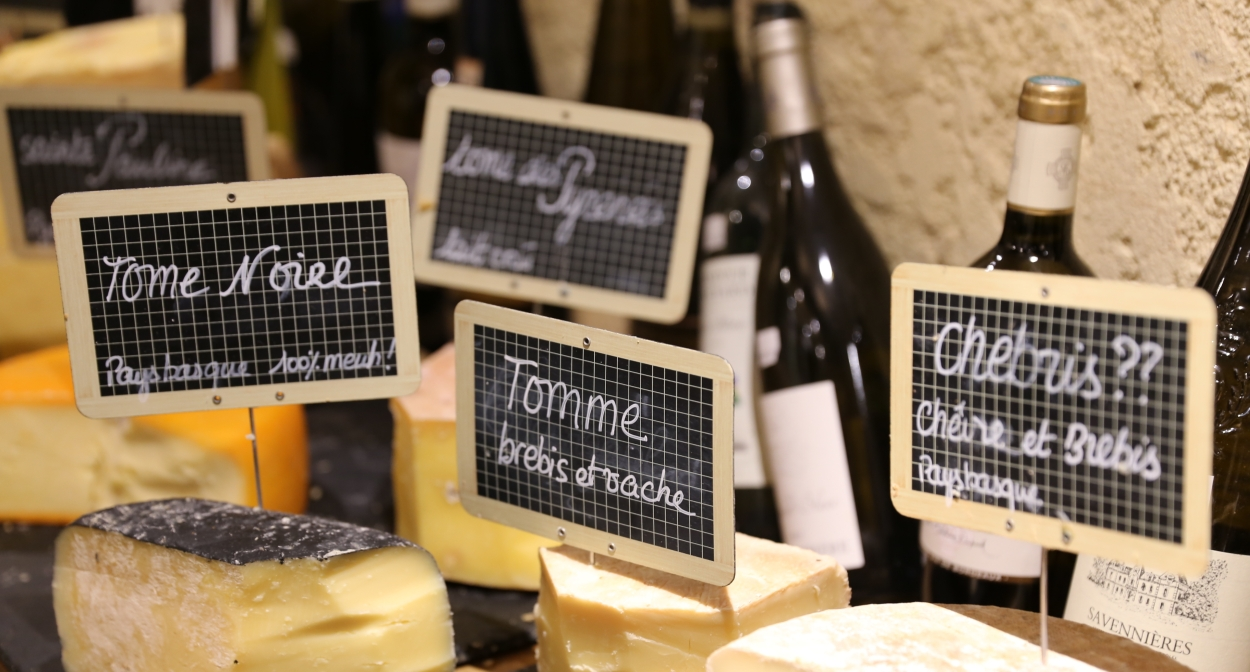 Tasting cheese and Bordeaux's wines ©Baud et Millet