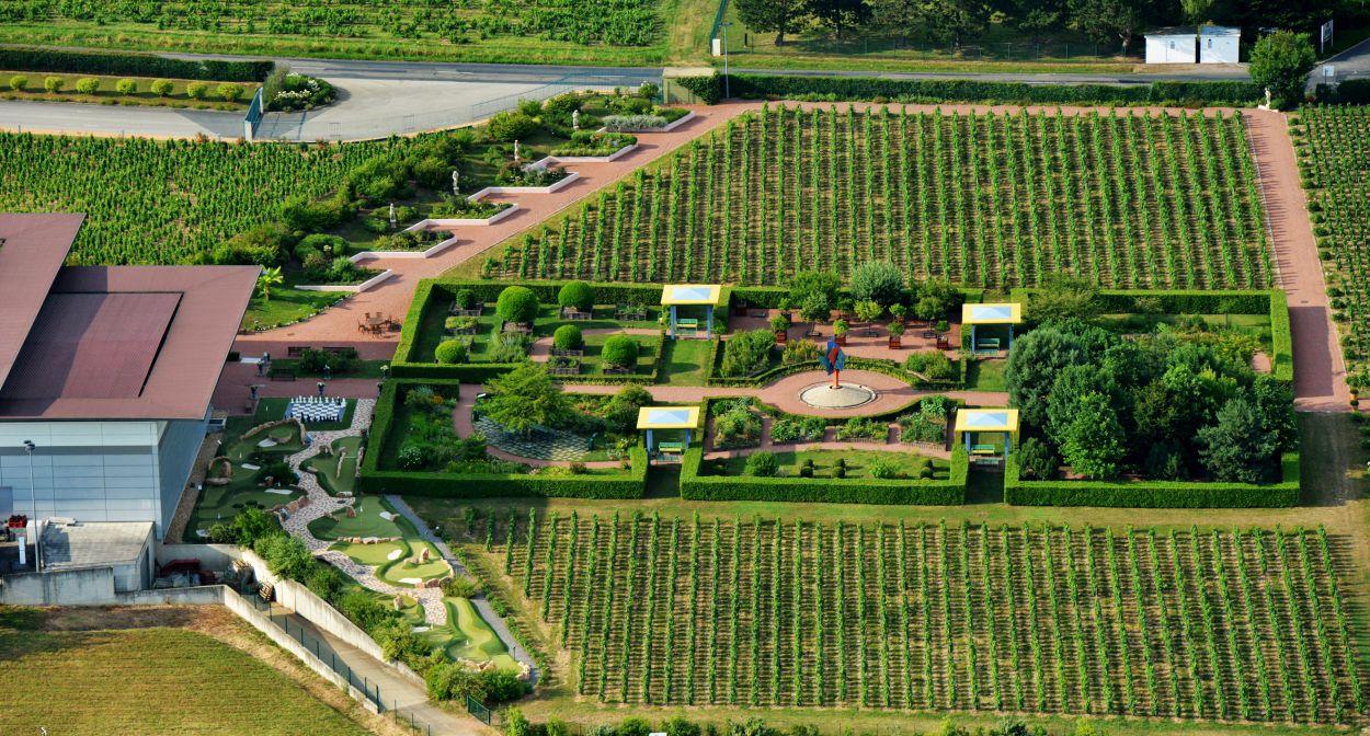 R ouverture du jardin en beaujolais et du centre de for Le jardin high wine
